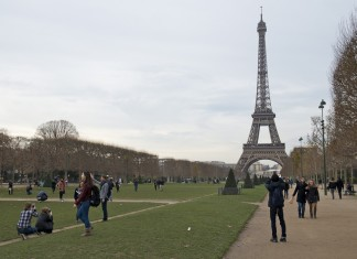 Eiffeltoren voor het park