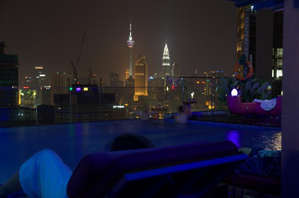 Rooftoop swimming pool