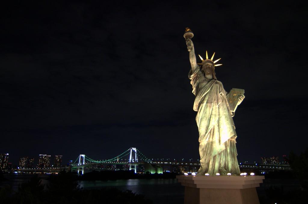 Statue of Liberty replica 2