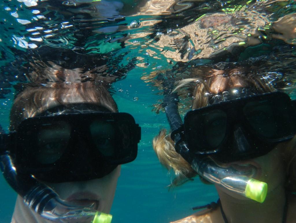 Suus en Vin onder water
