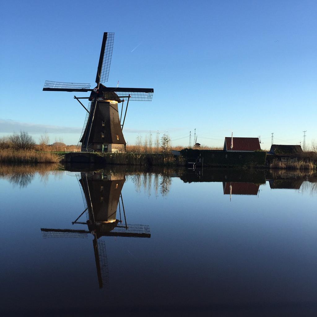 Molens Kinderdijk waterreflectie