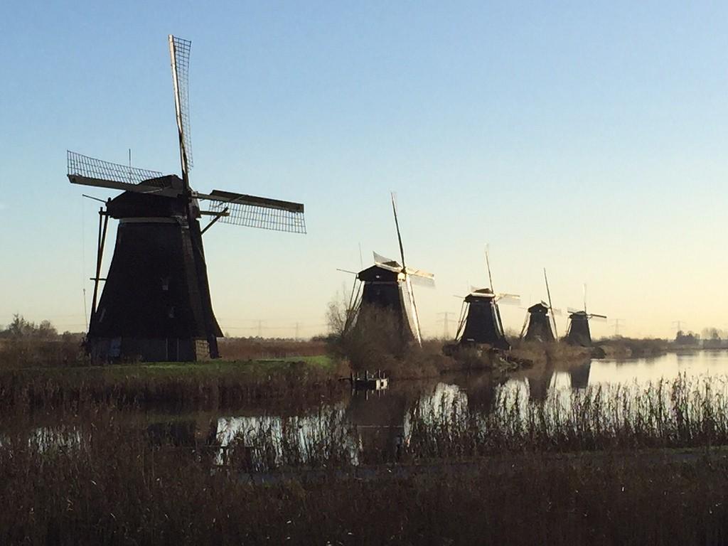 Vijf molens Kinderdijk aan het water
