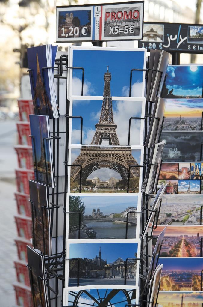 Eiffeltoren op postkaarten