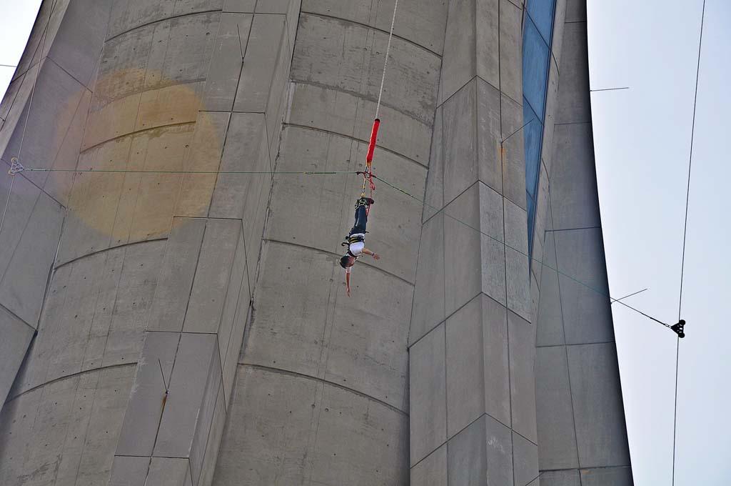 Hoogste bungeejump ter wereld
