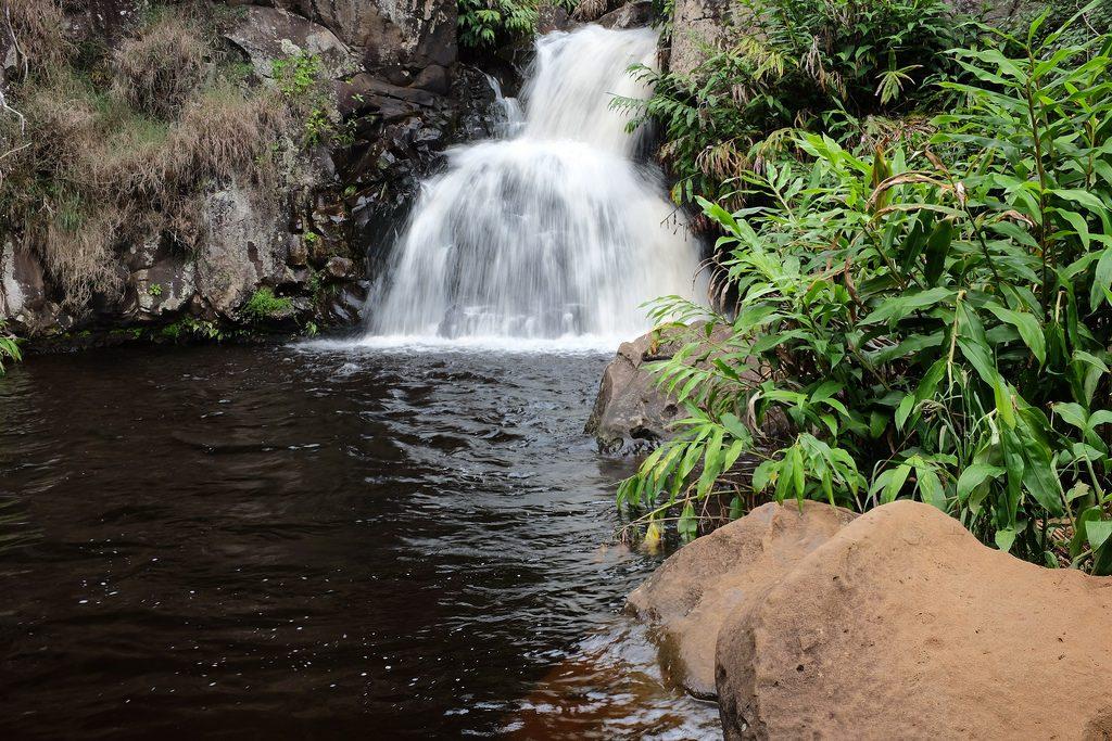 Kleine waterval Waimea Canyon Trail