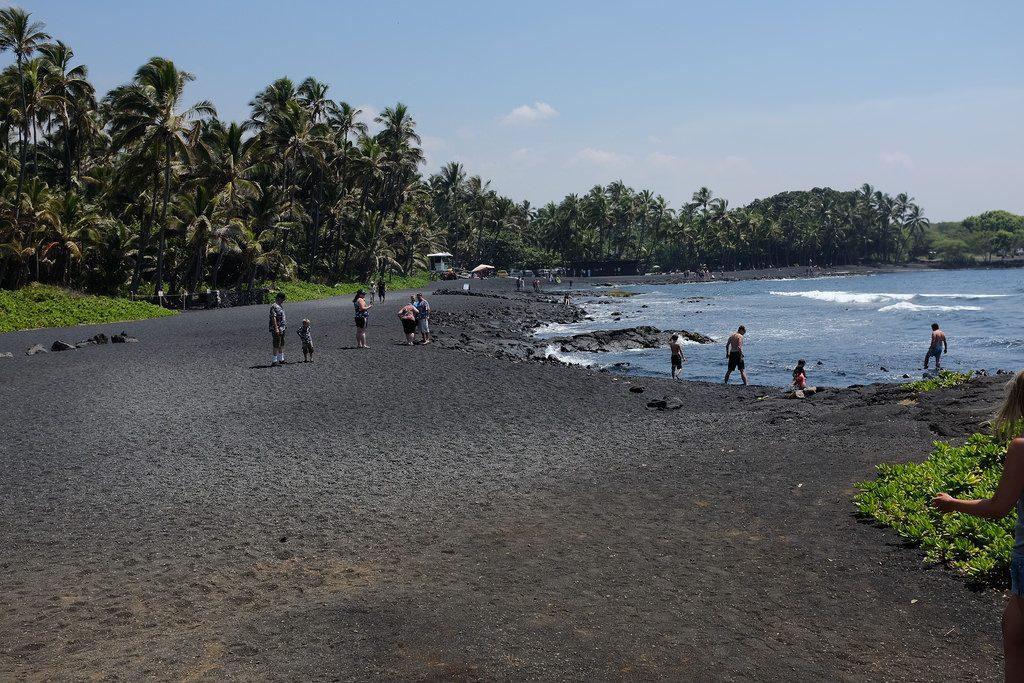 Zwart strand Hawaii