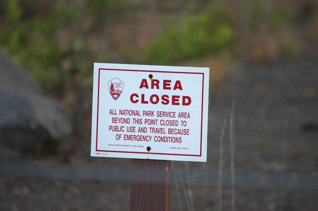 Waarschuwingsbordje Hawaii Vulkanen Nationaal Park