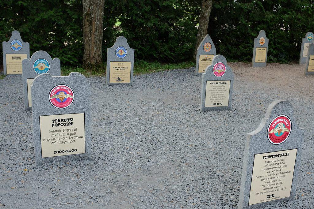 Ben & Jerry ijsjeskerkhof Flavor Graveyard