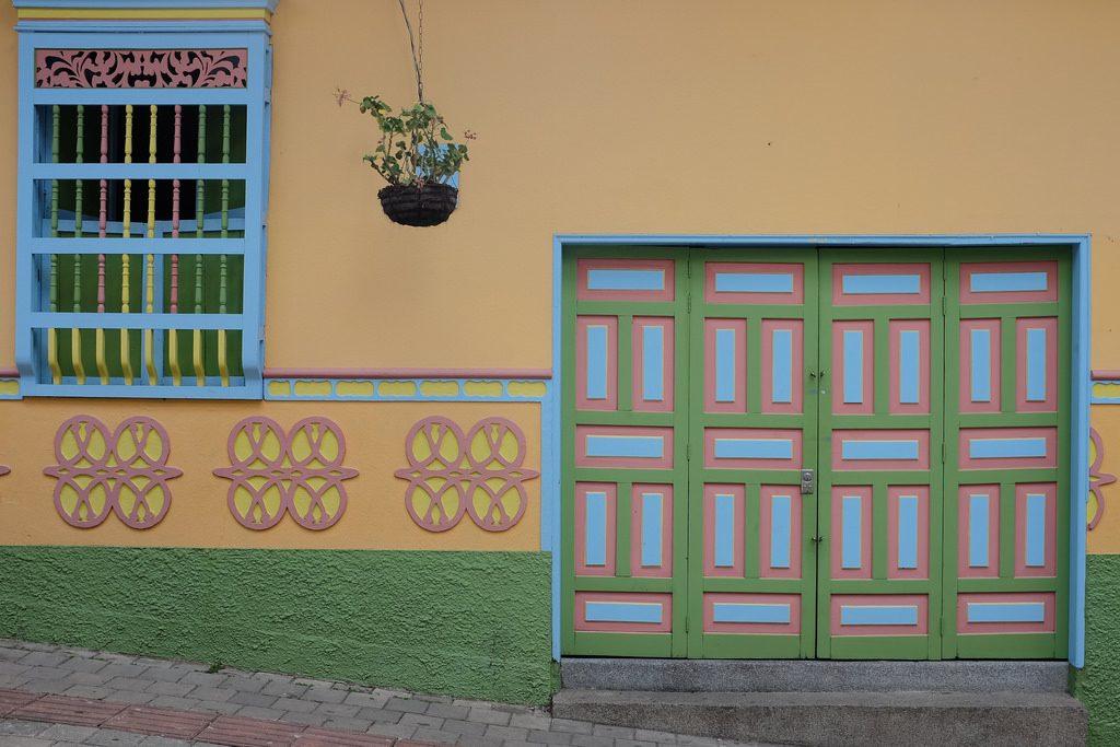 Deur Guatape Colombia