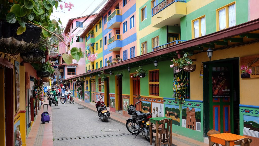 Straat Guatape Colombia