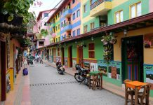 Straat Guatape Colombia
