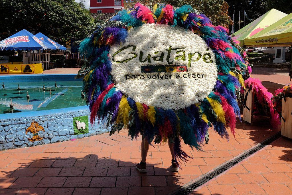Sujeta Guatape Colombia