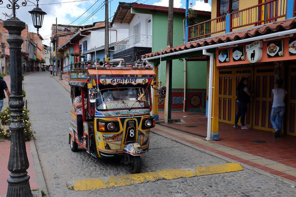 Tuktuk Guatape Colombia