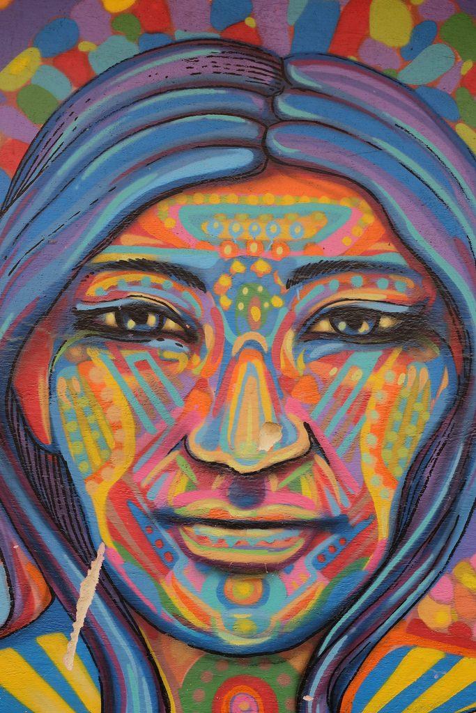 Bogota graffiti tour - Kleurrijk gezicht