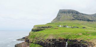 Gasadalur waterval bezienswaardigheden Faeroer Eilanden