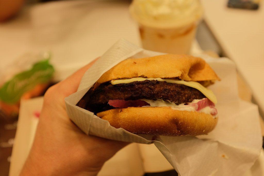 Hamburger bij MAX Zweeds Lapland