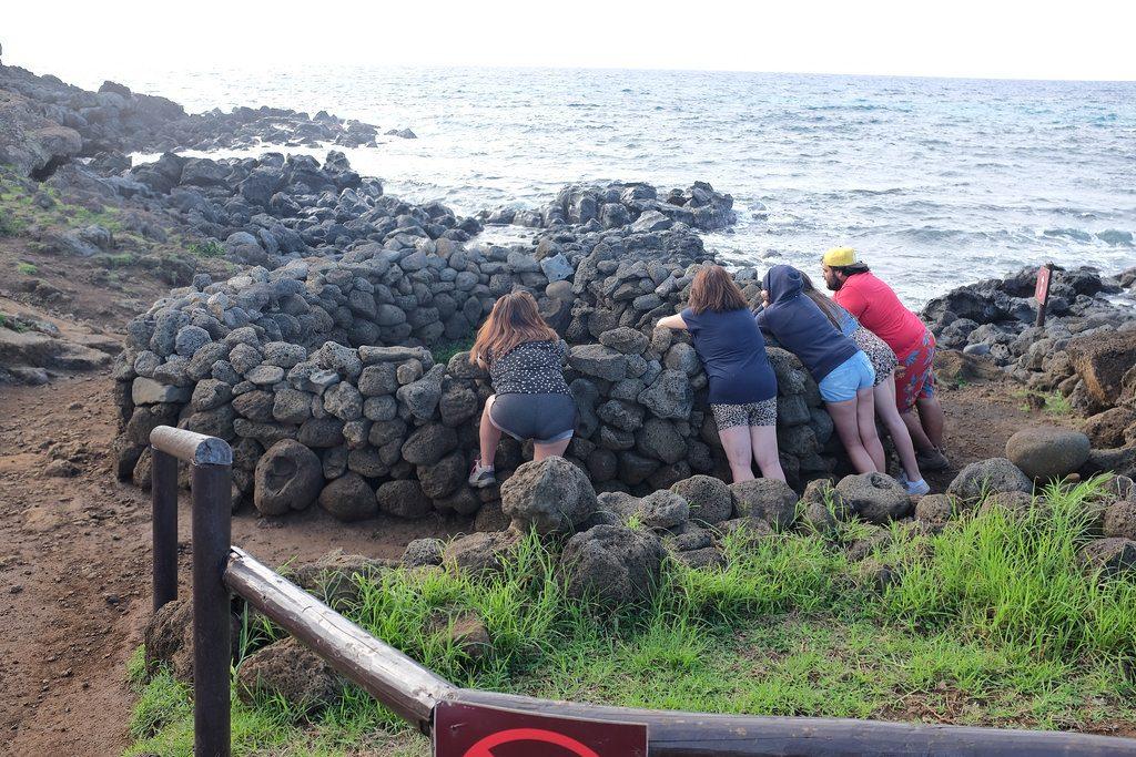 Kracht halen uit een steen Ahu Te Pito Kura Paaseiland