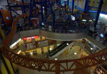 Winkelcentrum in Kuala Lumpur met achtbaan