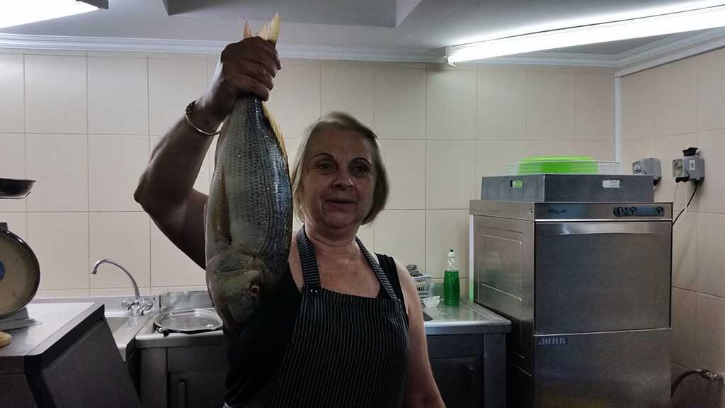 Vers gevangen vis op Grieks eiland Lesbos