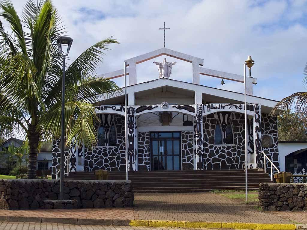 rapa nui paaseiland bezoeken kerk