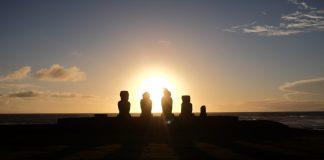 Paasbeelden bij Ahu Tahai Paaseiland