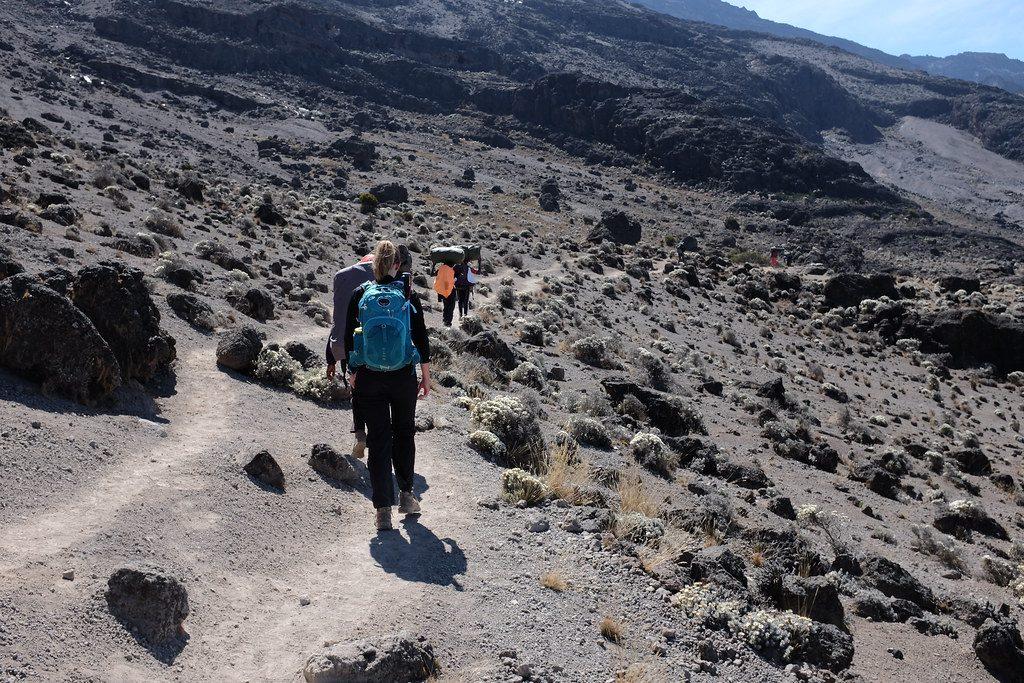 Lopen richting Barafu Camp Kilimanjaro
