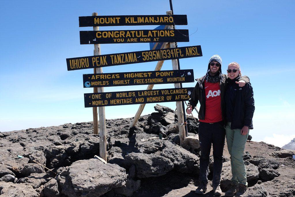 Reizen over de Wereld op de top van de Kilimanjaro