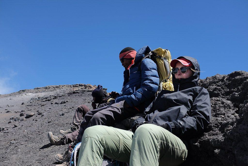 Suus rust uit tijdens de beklimming van de Kilimanjaro