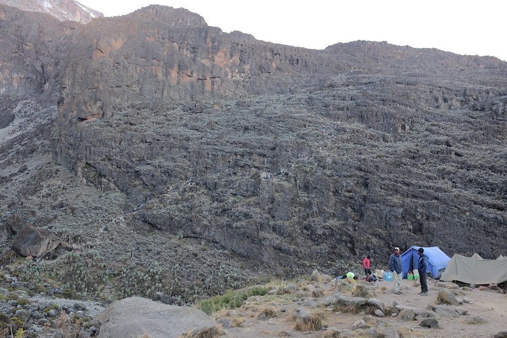 Uitzicht op Baranco Wall bij de Kilimanjaro beklimming Tanzania