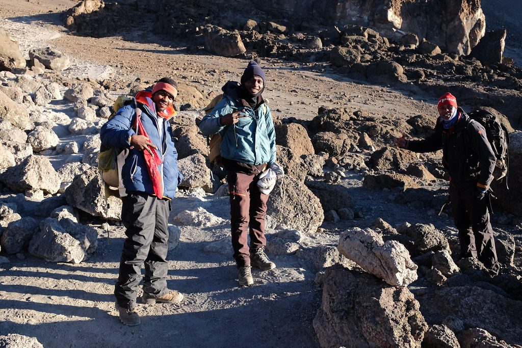 Verschillende lagen kleding bij de beklimming van de Kilimanjaro