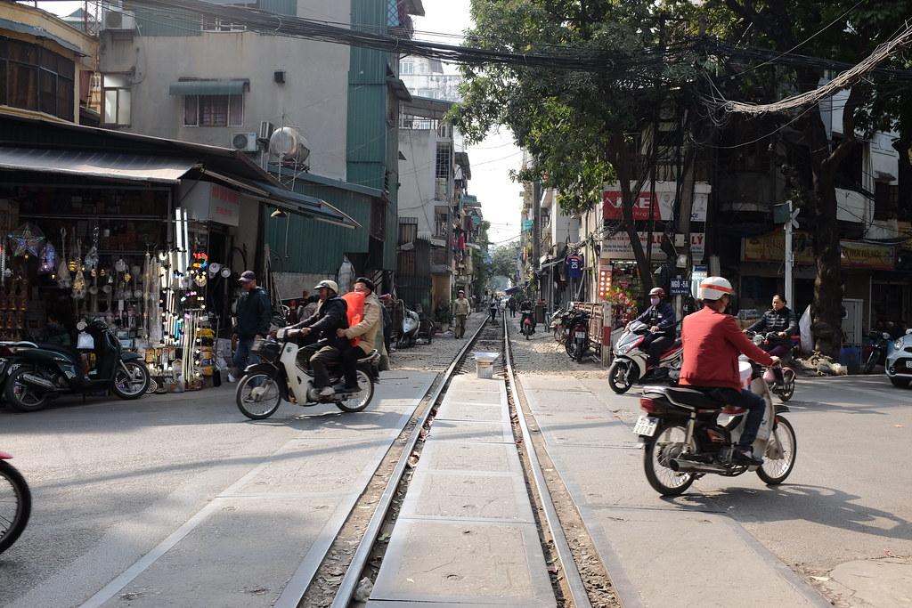 Treinstraat Vietnam Hanoi: Treinspoor in de wijk