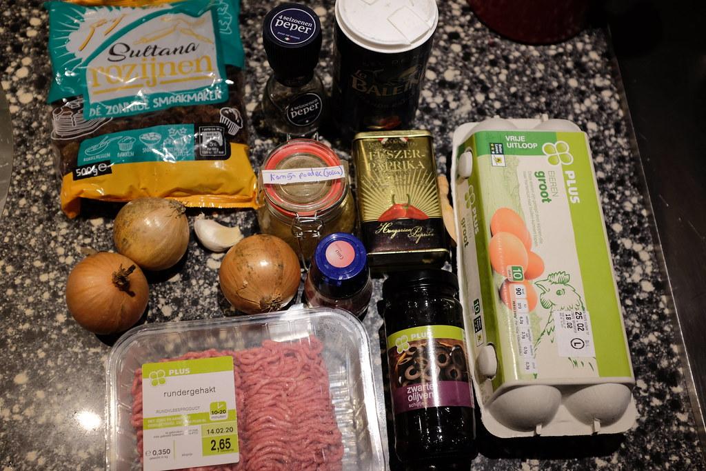 Ingredienten voor gehaktvulling empanadas uit Chili