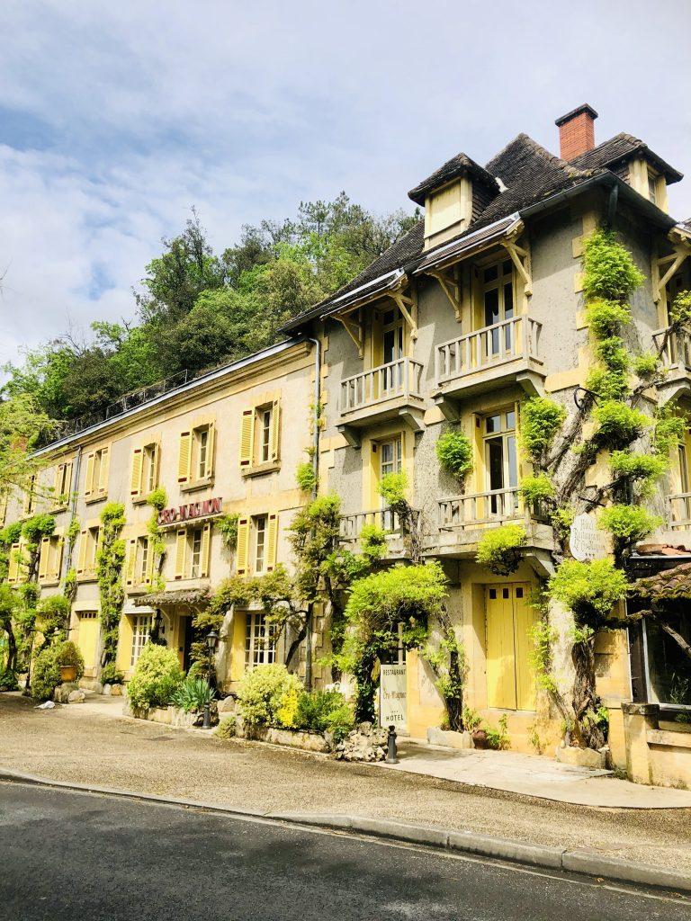 Hotel Le Cro-Magnon buitenkant