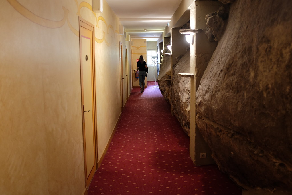 Hotel Le Cro Magnon, hotel in de rotsen